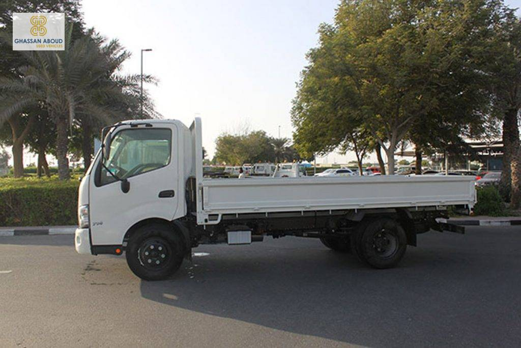 Hino 714 with Cargo body , 4.2 Ton(Approx.) with Turbo & ABS. 2018,0 km(Vehicle Code : HNSB378) full