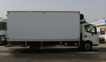 Hino DutroS/C M/T Frz.Bx 8.5Ton-300 6.0T (Vehicle Code : 04374) full